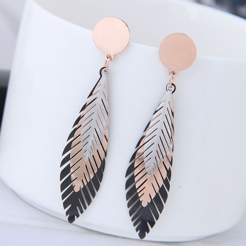 Korean fashion T simple titanium steel tricolor tree leaf earrings NHSC214447