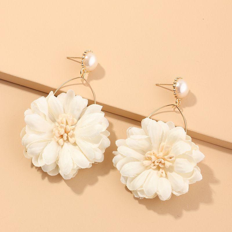 New fashion fabric flower earrings wild chrysanthemum earrings pearl earrings nihaojewelry wholesale NHNZ214473