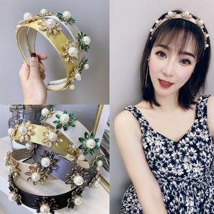 Nueva diadema barroca coreana diadema de flor de perla de diamante de satén de color sólido nihaojewelry al por mayor NHSM214543's discount tags