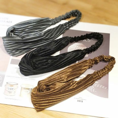 Coréen simple velours côtelé bandeau sport lavage visage mignon rétro croix bandeau nihaojewelry gros NHOF214520's discount tags