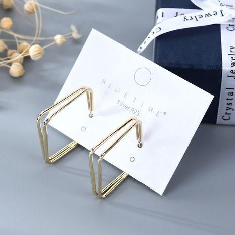 Coréen plaqué or simple et sauvage mode carré creux S925 argent aiguille cuivre boucles d'oreilles nihaojewelry gros NHPS214652's discount tags