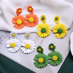 Pendientes de flores de moda nihaojewelry pendientes de crisantemo de Corea al por mayor de verano para mujeres NHSC214960's discount tags
