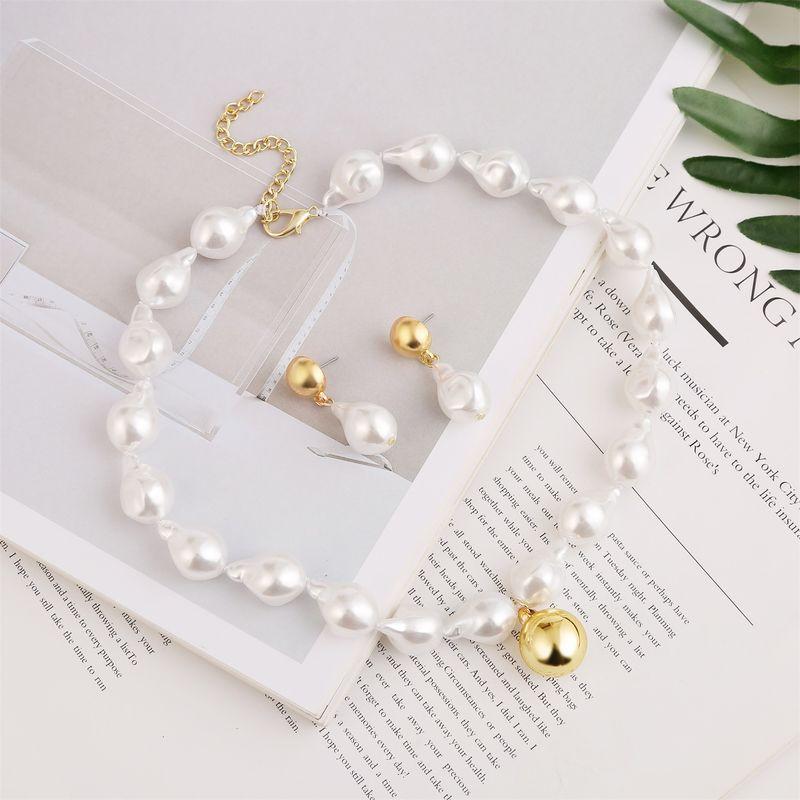 palace style retro pearl necklace earrings set wedding street shooting apparel matching set jewelry wholesale nihaojewelry NHUI221120
