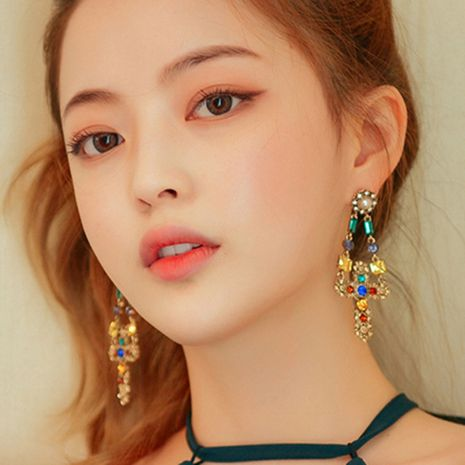 Rétro tempérament asymétrique perle croix gland boucles d'oreilles longues boucles d'oreilles baroques en gros nihaojewelry NHNT221256's discount tags
