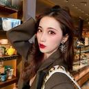 personality Sunflower bee earrings popular temperament Korean fashion the long imitation pearl earrings simple ear jewelry wholesale nihaojewelry NHNT221259