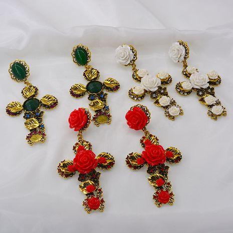 Nouveau rétro exagéré boucles d'oreilles rétro baroque chat marche croix boucles d'oreilles accessoires en gros nihaojewelry NHNT221261's discount tags