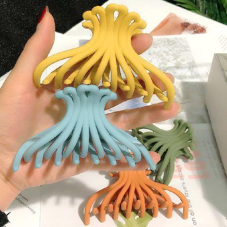 grande mode coréenne en épingle à cheveux couleur de bonbon adulte griffe clip chrysanthème dames queue de cheval en épingle à cheveux en gros nihaojewelry NHRH224380's discount tags