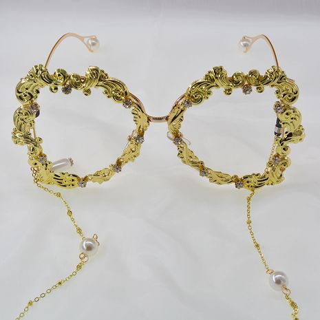New Magazine Hipster Party Carved Exaggerated Sunglasses Starry Star Rhinestone Pearl Chain Sunglasses wholesale nihaojewelry NHNT224912's discount tags