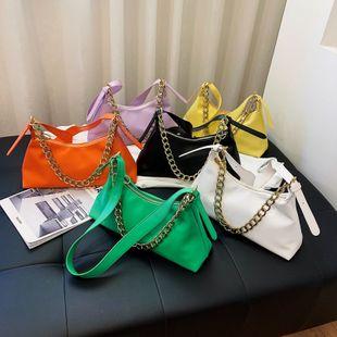 nouvelle mode d'été solide couleur épaule messenger sac sauvage en cuir souple chaîne portable aisselle sac en gros nihaojewelry NHPB225281's discount tags