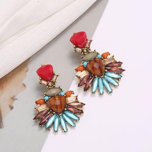 pendientes geométricos retro pendientes de perlas colgantes pendientes exagerados joyería simple del oído al por mayor nihaojewelry NHJJ225351's discount tags