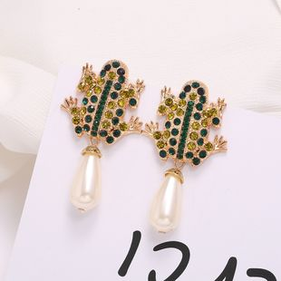 new retro frog earrings hanging pearl earrings exaggerated simple wild ethnic ear jewelry wholesale nihaojewelry NHJJ225354's discount tags