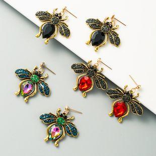 Pendientes de mariposa de temperamento retro exagerado con incrustaciones de diamantes de imitación con incrustaciones de diamantes de color completo pendientes largos atmosféricos al por mayor nihaojewelry NHLN225357's discount tags