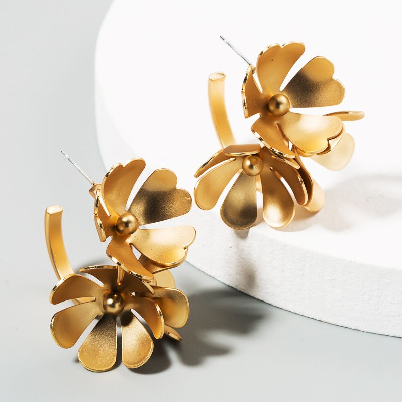 new fashion exaggerated personality golden flower earrings multilayer large petal temperament wild earrings wholesale nihaojewelry NHLN225359
