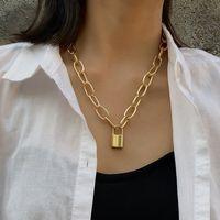 Nueva personalidad de la joyería collar geométrico retro suéter cadena simple temperamento salvaje en forma de cadena de clavícula temperamento al por mayor nihaojewelry NHPF225505