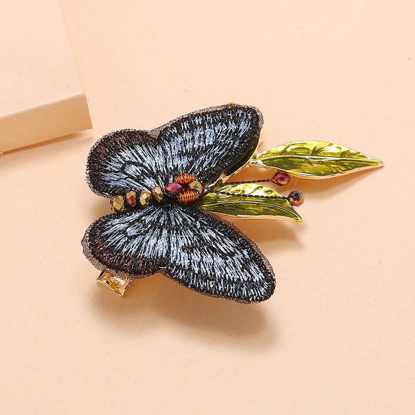 Korean retro temperament hand-embroidered butterfly hairpin fashion elegant personality wild word bangs hairpin wholesale nihaojewelry NHKQ225537