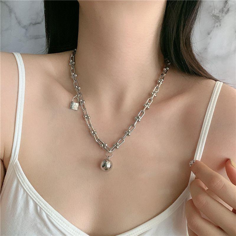 stylish niche design sense necklace metal texture copper ball pendant street clavicle chain wholesale nihaojewelry NHYQ225599
