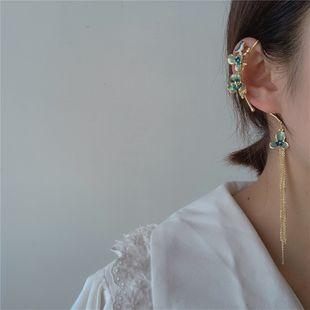 pendientes de flores de gota de aceite pendientes de oreja de estilo antiguo clip de hueso de oreja asimétrico al por mayor nihaojewelry NHYQ225635's discount tags