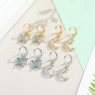 Joyería de moda anillo de oreja de mariposa punto creativo diamante animal hebilla de oreja pendientes de diamantes simples al por mayor nihaojewelry NHGO225713's discount tags