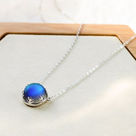 S925 Sterling Silver Moonstone Necklace Women's Simple Sweet Wind Blue Gradient Round  necklace  nihaojewelry wholesale NHKL227102's discount tags