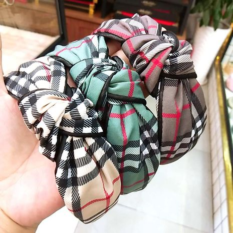 South Korea's new section plaid headband retro fabric high-end clip hair accessories wide-edge knotted headband ladies wholesale nihaojewelry NHUX221661's discount tags