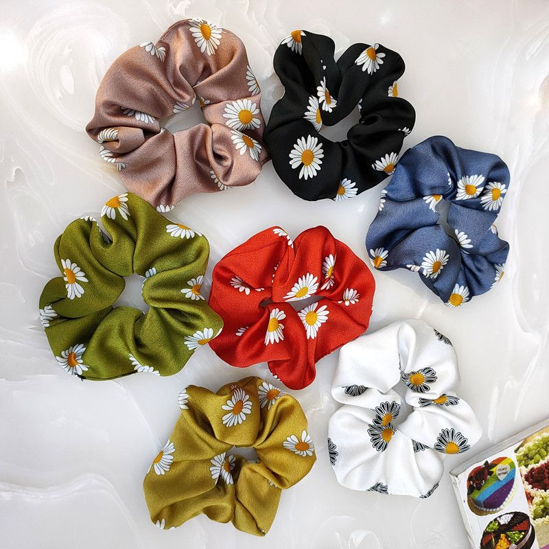 Korean hair scrunchies fashion daisy large intestine wide side simple high-end fabric elastic band fashion fairy hair rope wholesale nihaojewelry NHUX221668