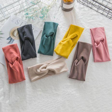 nouvelle bande de cheveux coréenne perle bande de cheveux à large bord haut de gamme croix laine bandeau mode sauvage pression cheveux accessoires NHUX221679's discount tags