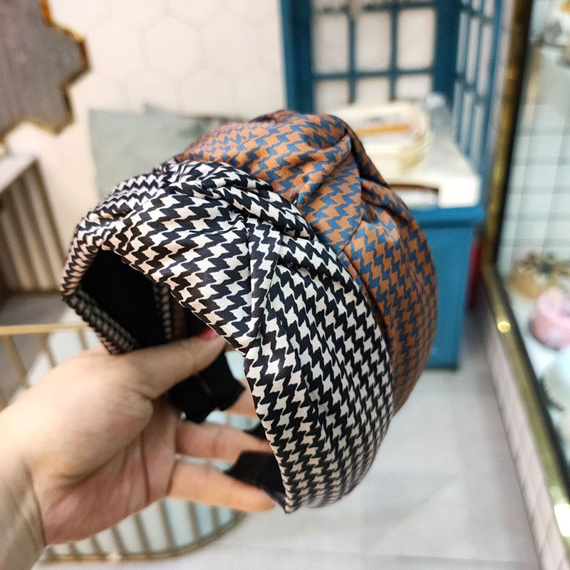 Korean fashion the new wide-brimmed simple knotted headband retro houndstooth headband hair accessories wholeasale nihaojewelry NHUX221729