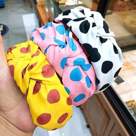 Mode coréenne nouvelle vague à larges bords rétro noué bandeau couleur bonbon accessoires de cheveux haut de gamme visage sauvage laver les cheveux bandeau en gros nihaojewelry NHUX221760's discount tags