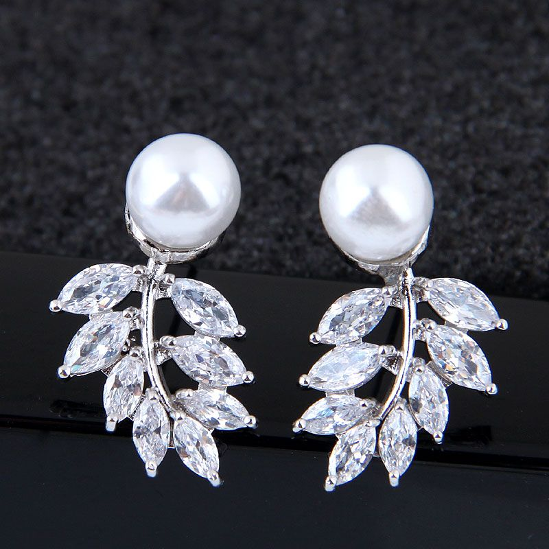 Exquisite Korean Fashion Sweet Inlaid Zircon Branch and Leaf Stud Earrings wholesale nihaojewelry NHSC227554