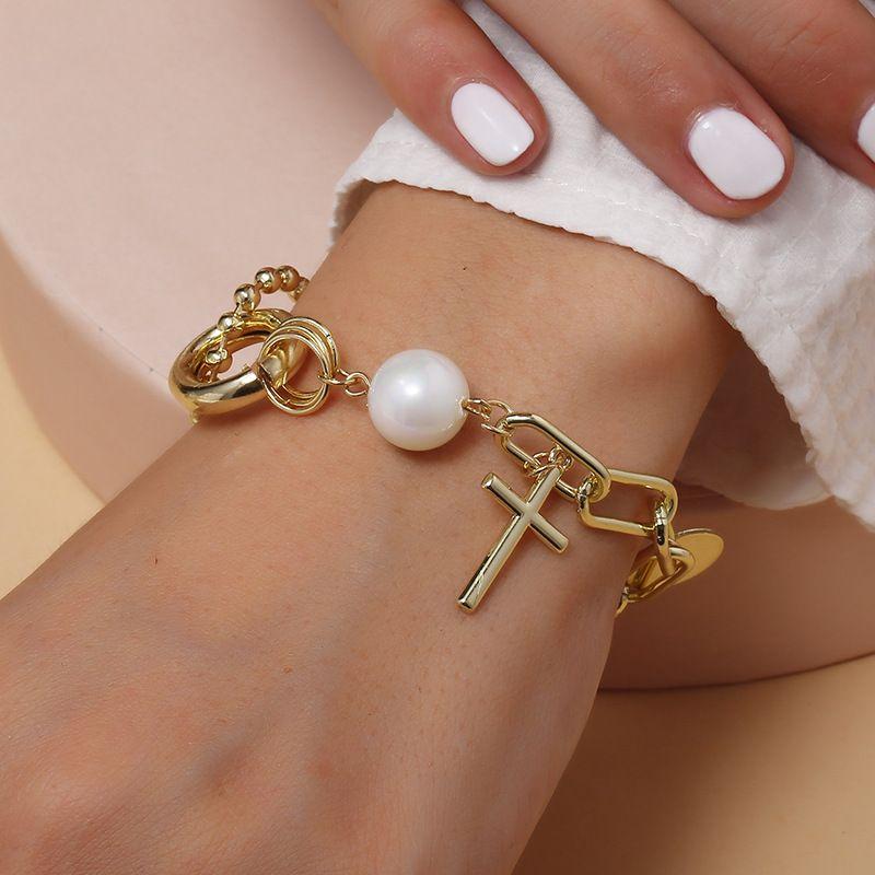 Korean fashion new Baroque pearl metal thick chain bracelet retro tide creative cross bracelet wholesale nihaojewelry NHKQ227855