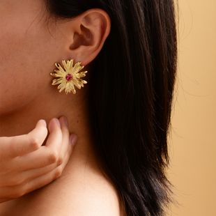 New gold-plated small daisy earrings fashion crystal earrings women NHOT228004's discount tags