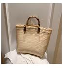 Straw bag new retro largecapacity vegetable basket woven bag handbag square bag hand bag beach bag wholesale nihaojewelry NHTC229015