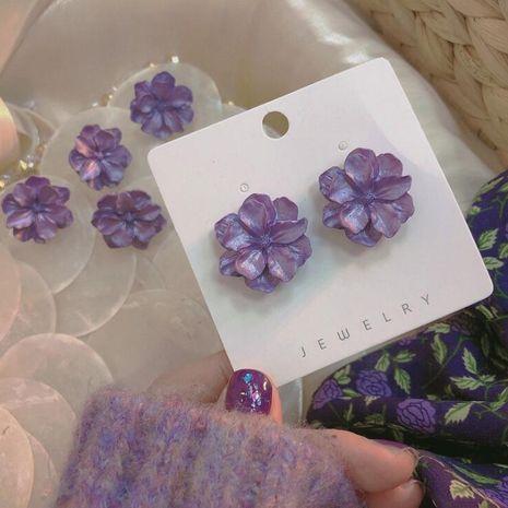 Boucles d'oreilles fleurs violettes mignonnes petites boucles d'oreilles rétro coréennes en gros nihaojewelry NHXI229752's discount tags