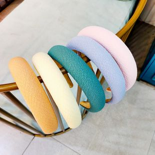 New Korean solid color cloth wide-brimmed headband high-end hairpin fashion macaron hairband girl wholesale nihaojewelry NHUX229945's discount tags