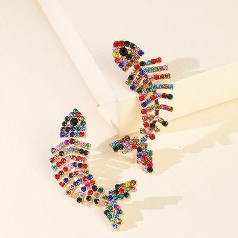 exagéré grande marque diamant poisson os griffe chaîne couleur diamant mode boucles d'oreilles en gros nihaojewelry NHJJ229992's discount tags