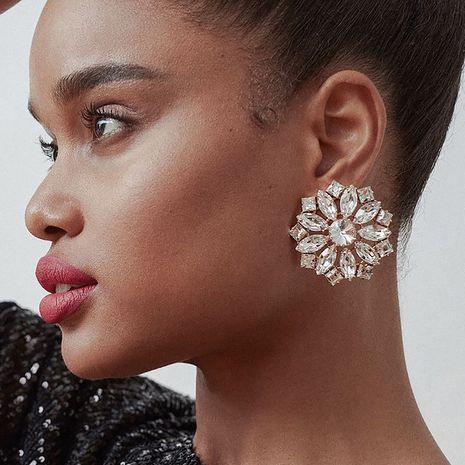 exagéré gros alliage strass diamant rond fleur boucles d'oreilles super flash super fée boucles d'oreilles en gros nihaojewelry NHJE230001's discount tags