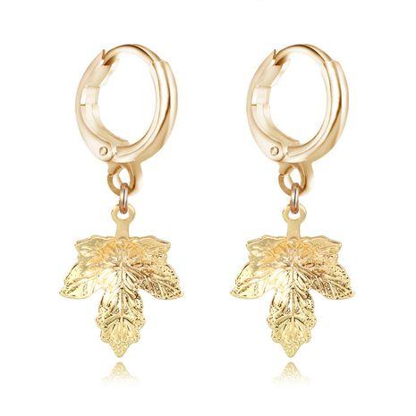 Bijoux de mode rétro unique simple feuille boucles d'oreilles feuille d'érable dorée pendentif anneau d'oreille en gros nihaojewelry NHGO230102's discount tags