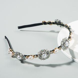 Venta caliente retro aleación de lujo con incrustaciones de diamantes de imitación perla flor banda para el cabello moda coreana al por mayor nihaojewelry NHLN222457's discount tags