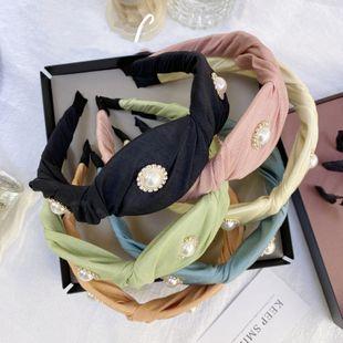 Diadema plegable de perlas de moda coreana caramelo color sólido princesa tela diamante onda diadema de ala ancha venta al por mayor nihaojewelry NHSM222219's discount tags