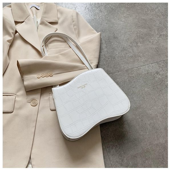 Korean simple  senior sense small bag  new wave fashion  shoulder bag female popular wild simple armpit bag nihaojewelry wholesale NHTC223123