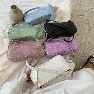 nouvelle vague rétro crocodile sauvage motif portable aisselle sac petit frais couleur unie texture baguette nihaojewelry en gros NHPB223168's discount tags