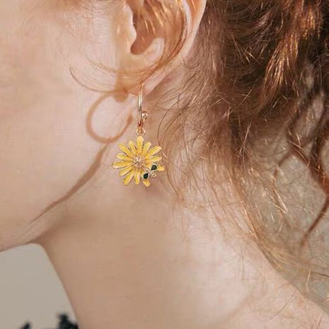 Korean new trend small daisy earrings Korean temperament sweet and fresh bee flower earrings wholesale nihaojewelry NHMD223303's discount tags