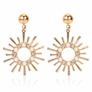 mode personnalité alliage soleil fleur explosion boucles d'oreilles style diamant incrusté de perles boucles d'oreilles en gros nihaojewelry NHCT223482's discount tags