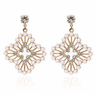 fashion personality imitation pearl geometric metal earrings wholesale nihaojewelry NHCT223487's discount tags