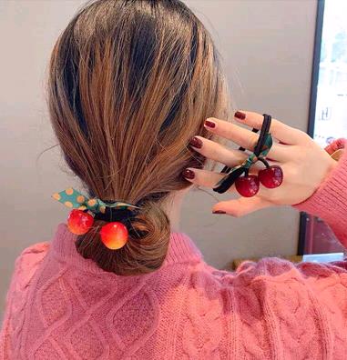 Cuerda de pelo coreano arco salvaje simple cuentas de cereza de caramelo banda de goma ancha cabeza de lazo banda de goma accesorios para el cabello banda de goma elástica cuerda de pelo al por mayor nihaojewelry NHSC224465's discount tags