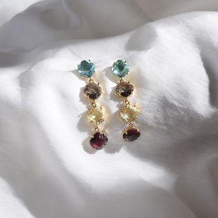 Pendientes de diamantes de estilo largo pendientes de diamantes de color de temperamento de moda pendientes de circón salvaje simple joyería de oreja de cristal colorida al por mayor nihaojewelry NHWF223645's discount tags