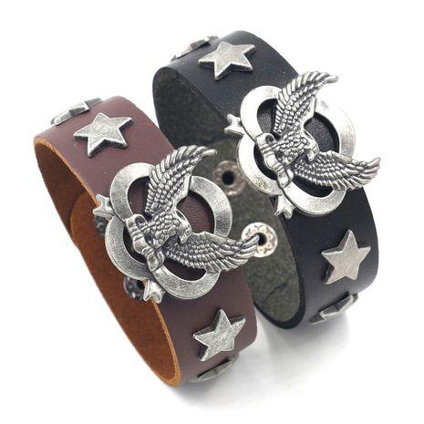 Bracelet pour hommes personnalité marée cool hip-hop aigle rivet rétro bracelet en gros nihaojewelry NHHM223687's discount tags