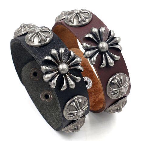 mode rétro punk exagéré large bague en cuir croix Crowe rivet mode nouveau bracelet en cuir 2 couleurs en gros nihaojewelry NHHM223689's discount tags
