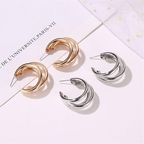 nouveau style métal trois couches demi-cercle croix boucles d'oreilles afflux de personnes exagéré boucles d'oreilles féminité vent froid type c boucles d'oreilles en gros nihaojewelry NHMO223822's discount tags