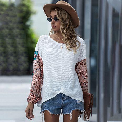 otoño nuevas mujeres impresas costura cuello redondo murciélago manga larga bohemio casual camiseta top venta al por mayor nihaojewelry NHDF230463's discount tags